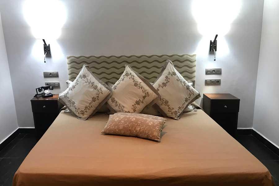 Cama doble de la habitación Junior Suite de La Garganta