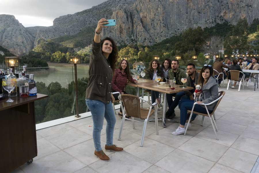 Terraza restaurante de La Garganta