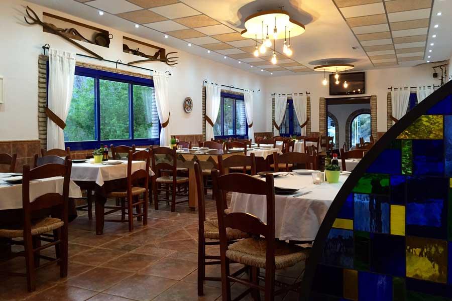 Salón del restaurante de La Garganta